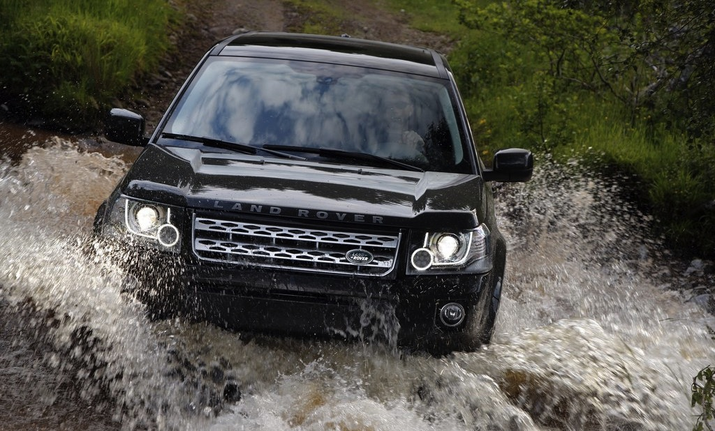 2013 Land Rover Freelander 2 Black Off-Roading