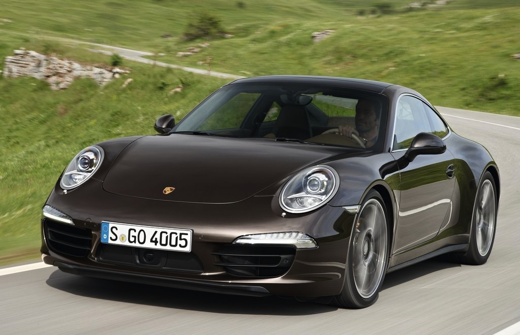 2013 Porsche 911 Carrera 4S Front 3/4 Action View