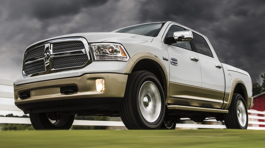 2013 Ram 1500 Front 3/4 Action Angle