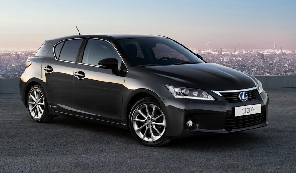 2013 Lexus CT 200h Front 7/8 View