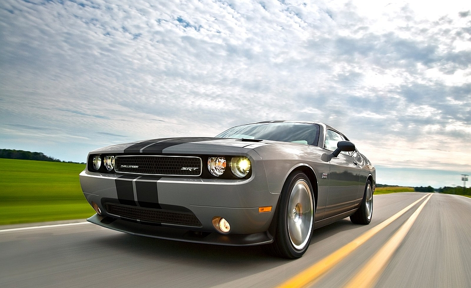 2013 Dodge Challenger SRT8 392 Front 3-4 Left