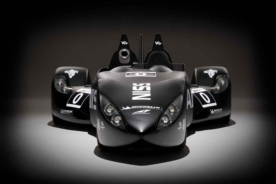 Nissan DeltaWing Studio Shot Front Dark Backdrop