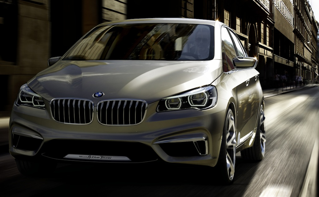 BMW Concept Active Tourer Front 3/4 Action Angle