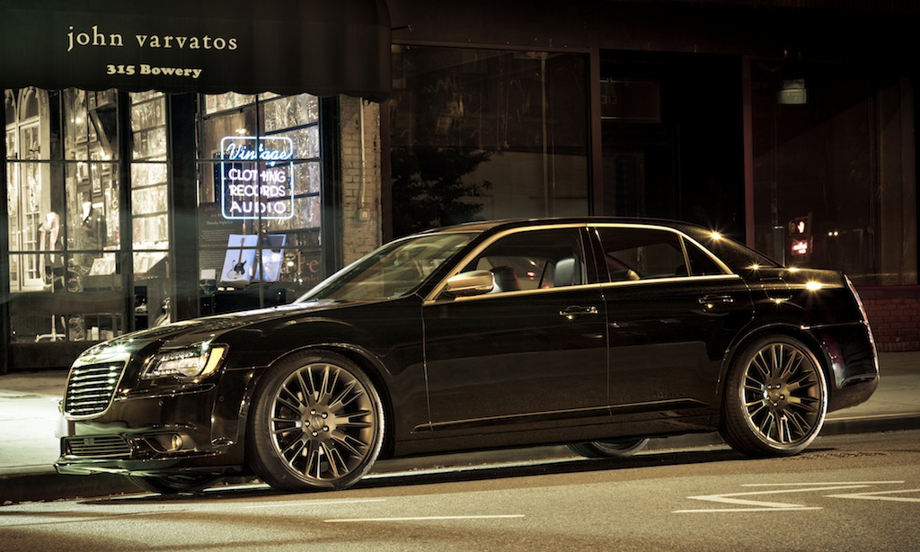 2013 Chrysler 300C John Varvatos Limited Edition Front 7/8 View