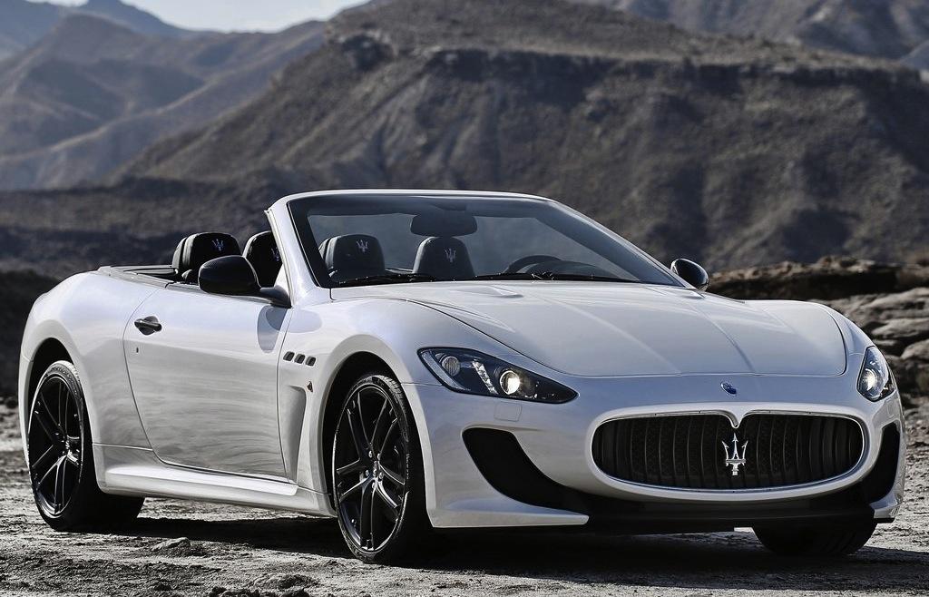2013 Maserati GranCabrio MC Front 3/4 Angle