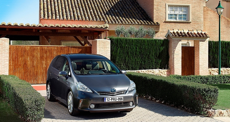 2013 Toyota Prius V In A Lovely Driveway