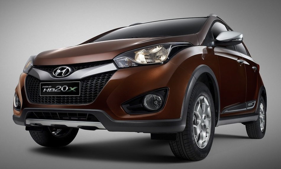 Hyundai HB20X Front 3/4 View