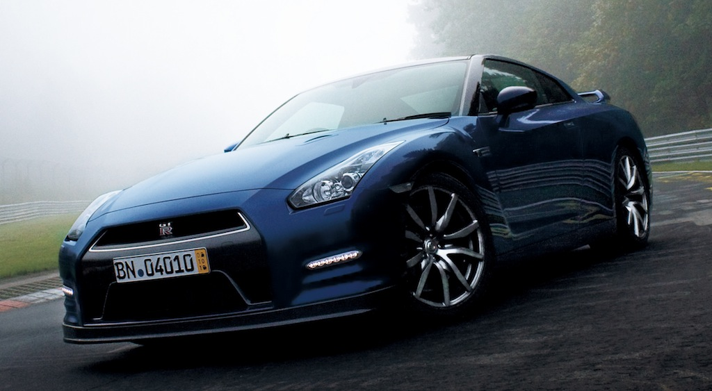 2014 Nissan GT-R Front 3/4 Angle Shot