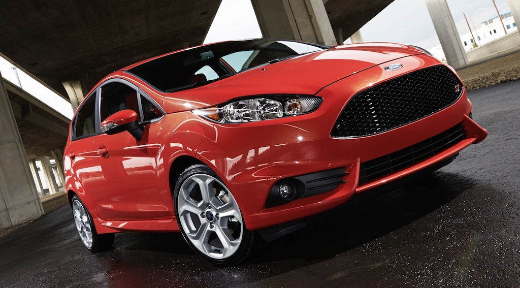 2014 Ford Fiesta ST US Front Angle View