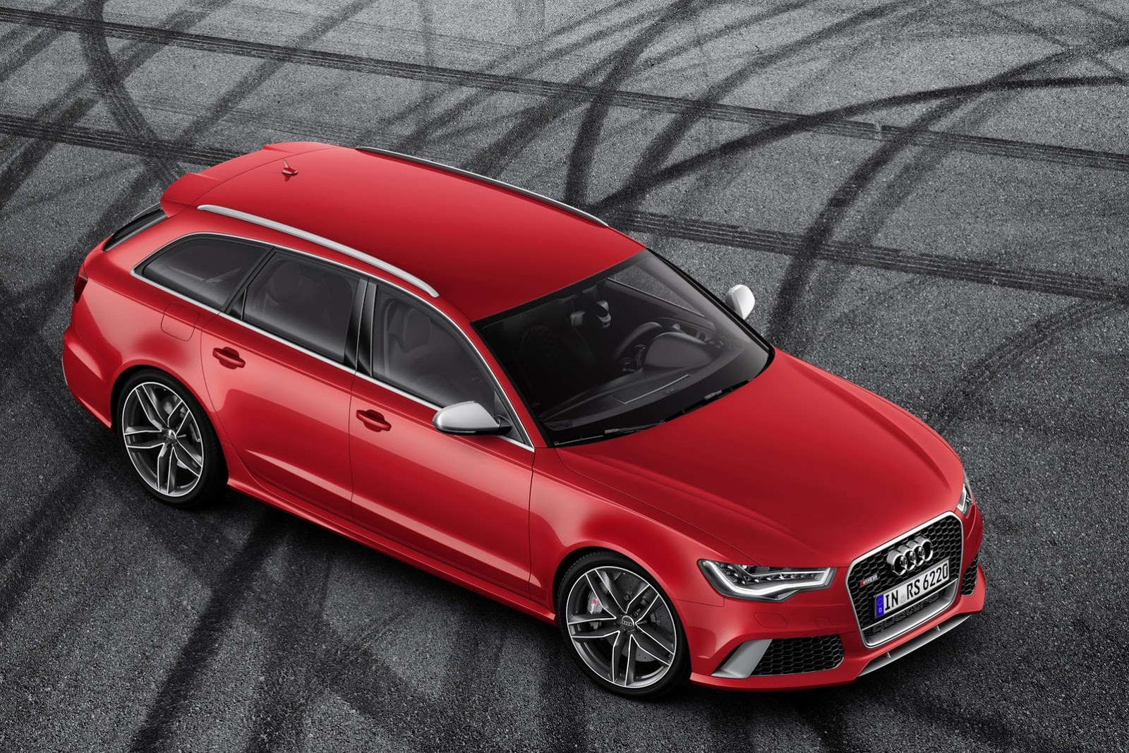 2014 Audi RS6 Avant Front Top View