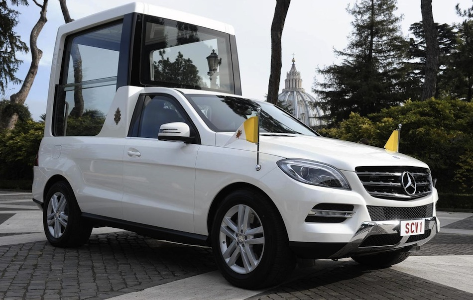 Mercedes-Benz M-Class Popemobile Front 7/8 View