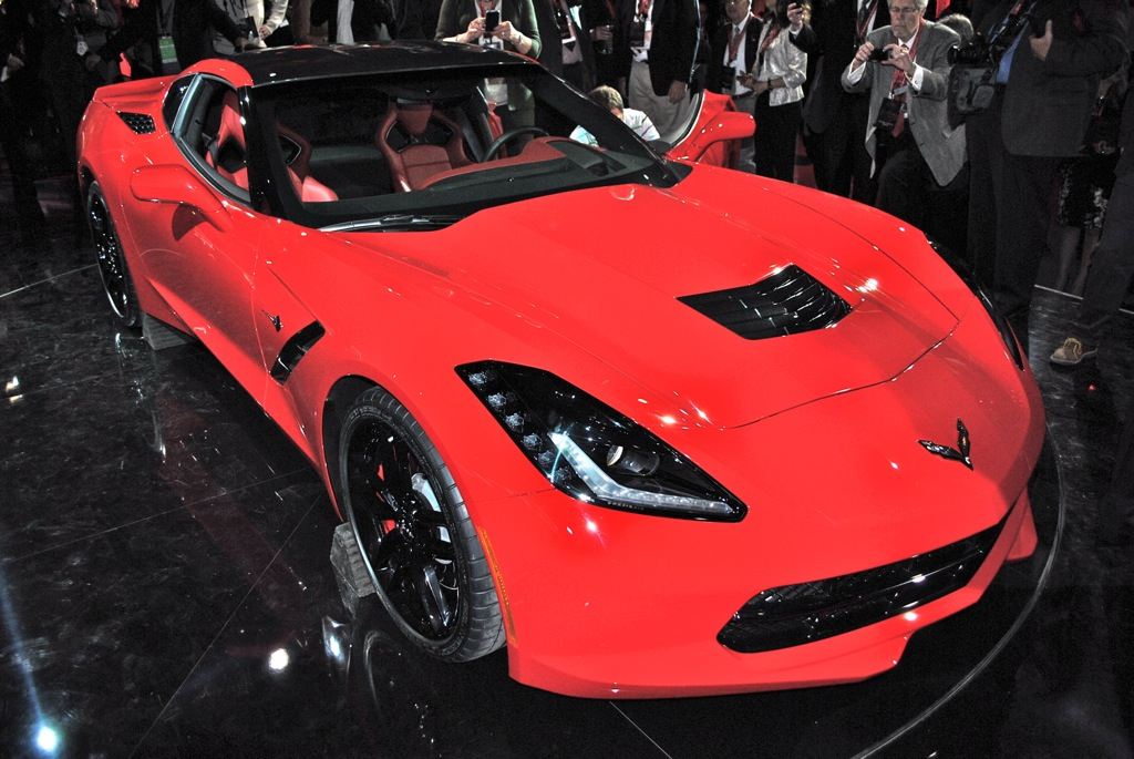 2013 Detroit: 2014 Chevrolet Corvette Stingray Front 3/4 Angle