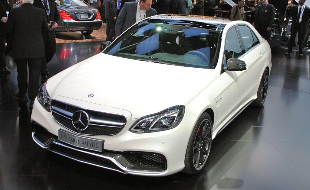 2013 Detroit: 2014 Mercedes-Benz E63 AMG Top View