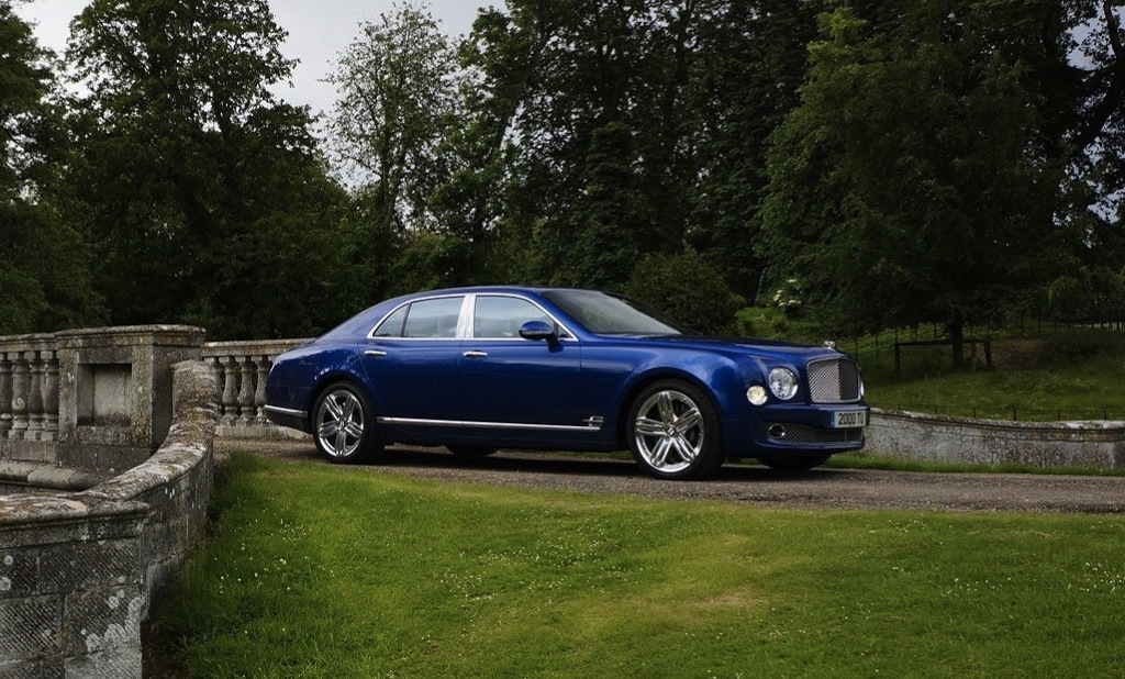 2014 Bentley Mulsanne Side Front Angle