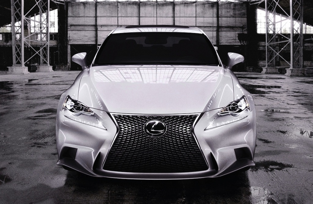 2014 Lexus IS 350 F Sport Front Angle