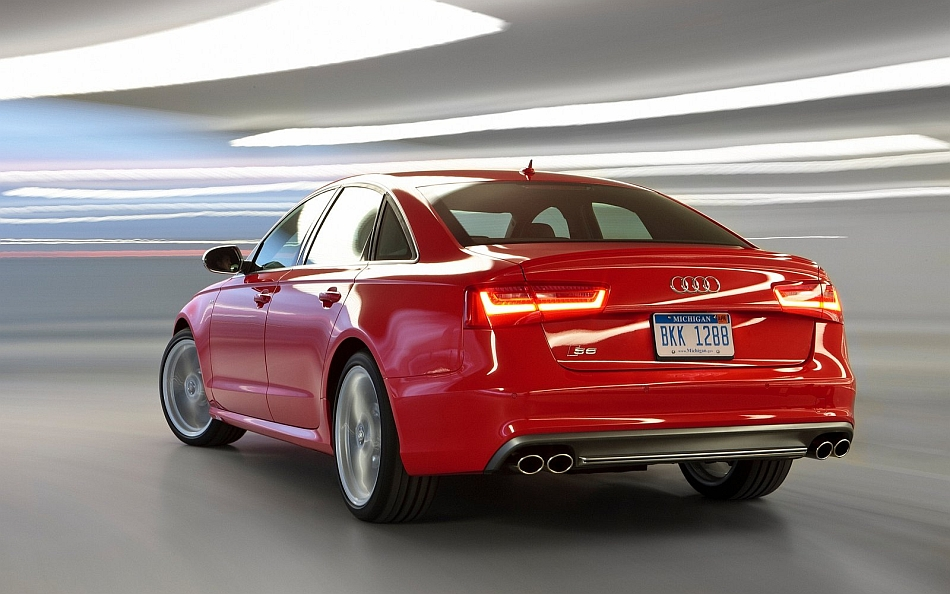 2013 Audi S6 Rear 3-4 Left Parking Garage Cruising