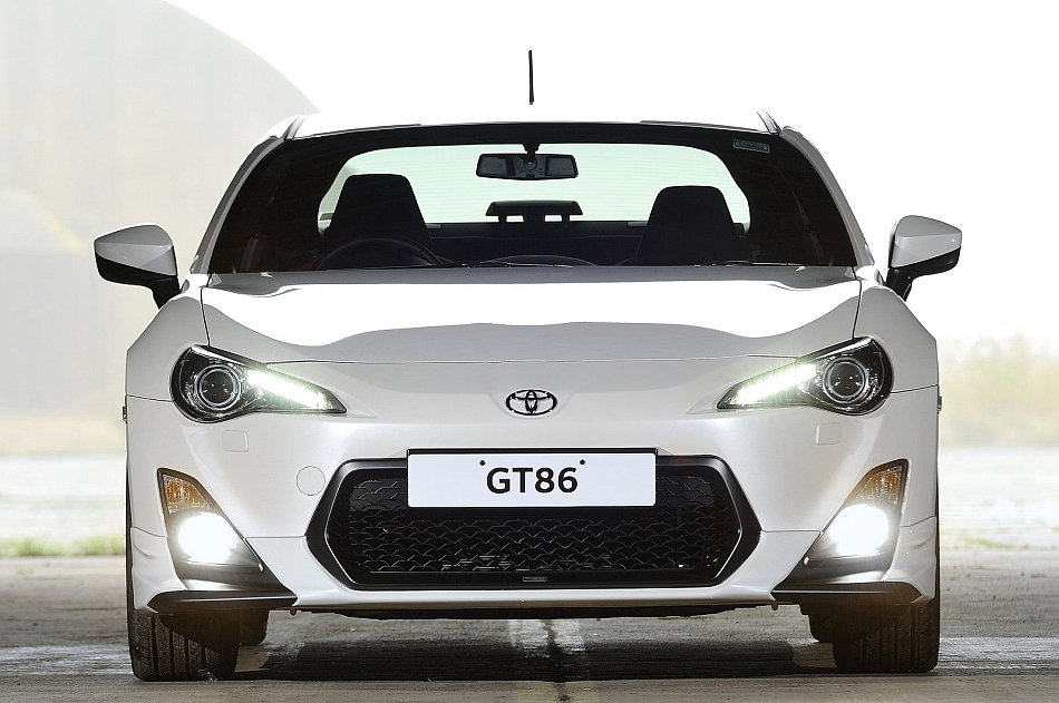 2013 Toyota GT86 TRD UK Front