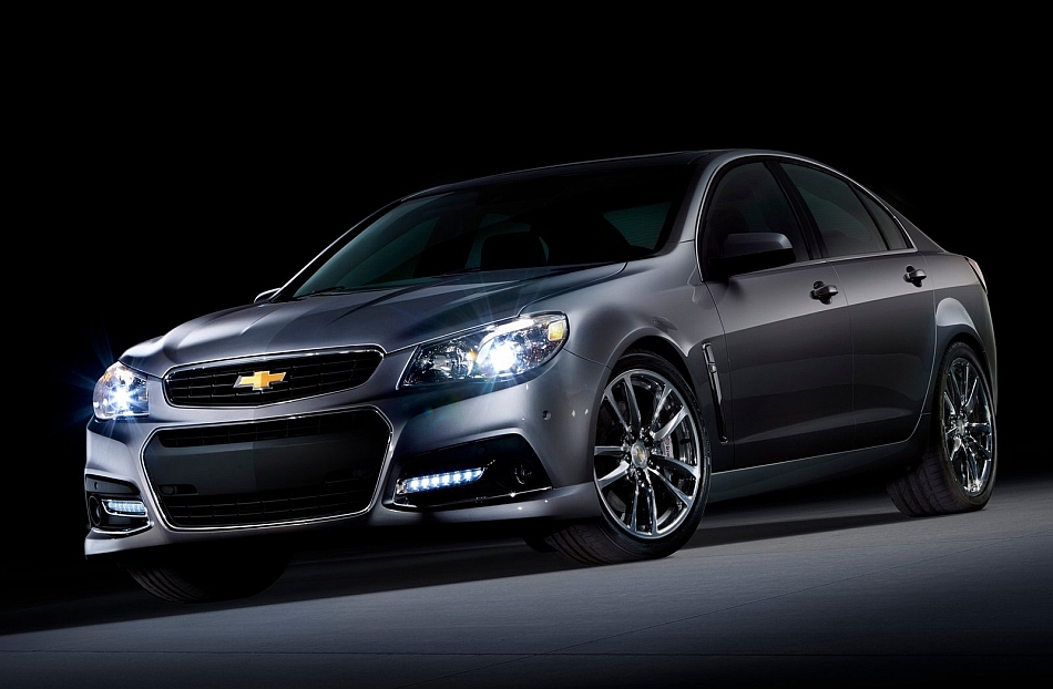 2014 Chevrolet SS Sedan Front 3-4 Left Angle Studio