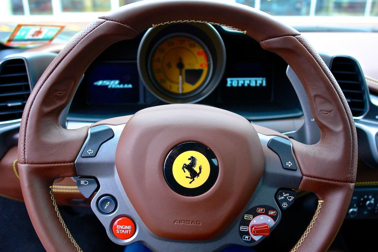 2010 Ferrari 458 Review Steering WHeel