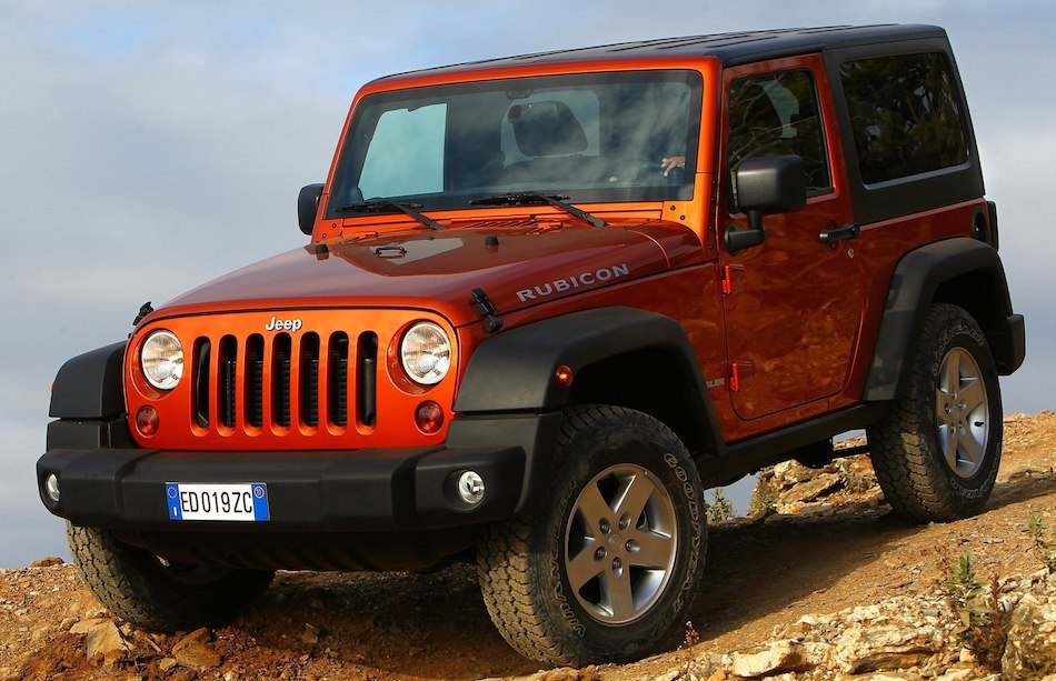 2012 Jeep Wrangler Rubicon Front 3-4 Left Close Up Off Roading