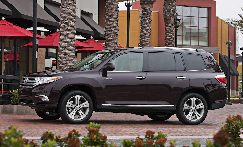 2012 Toyota Highlander Left Side