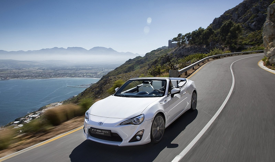 2013 Toyota FT-86 Open Concept Front 3-4 Left Coastal Cruising
