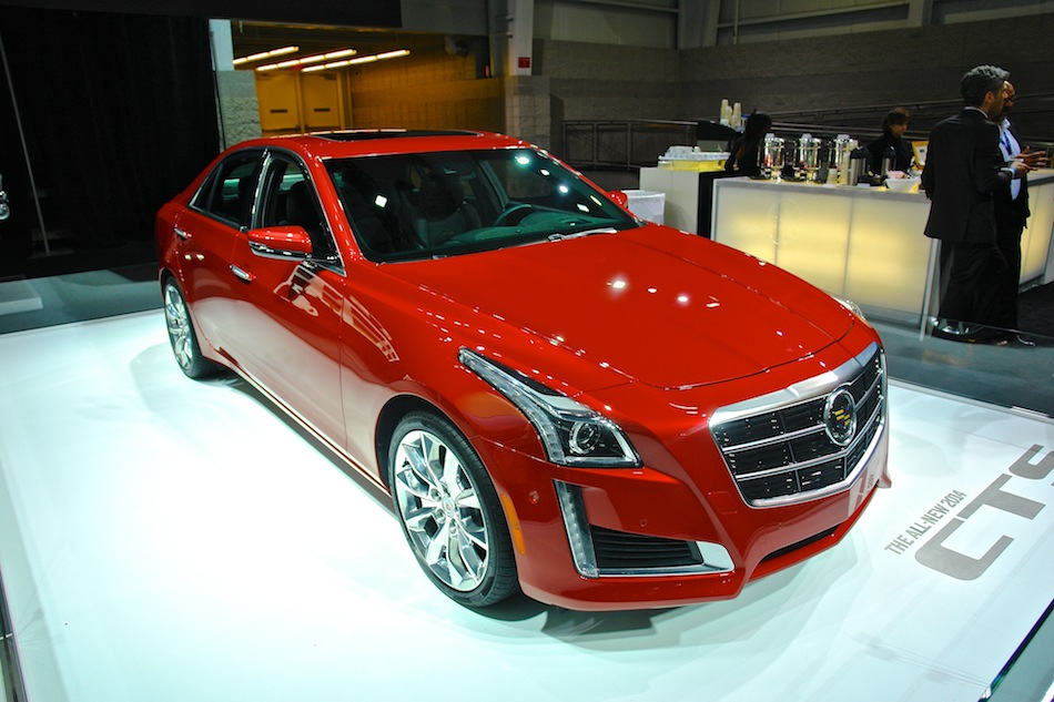 2014 Cadillac CTS Front 3:4 Right Profile