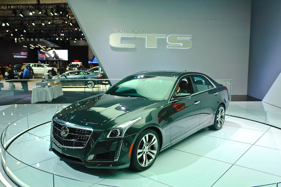 2014 Cadillac CTS Front 7-8 Left
