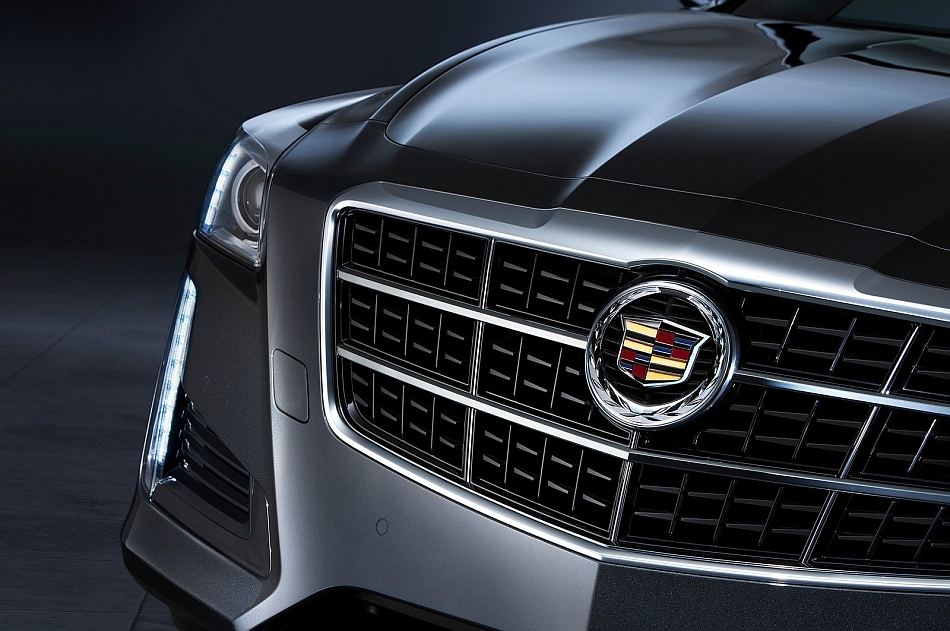2014 Cadillac CTS Grille Close Up