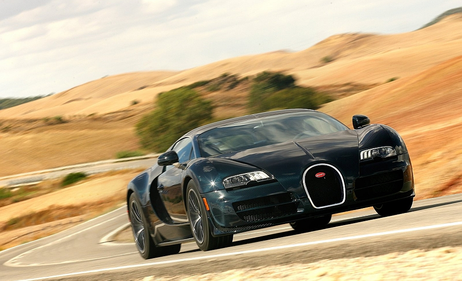 2012 Bugatti Veyron Super Sport Front 3-4 Right Cruising