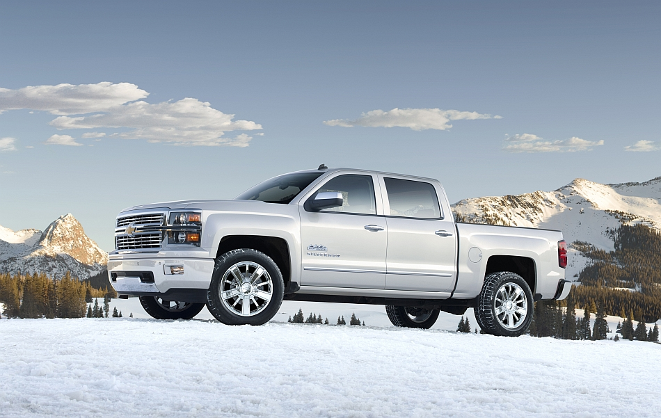2014 Chevrolet Silverado High Country Front 7-8 Left In The Snow