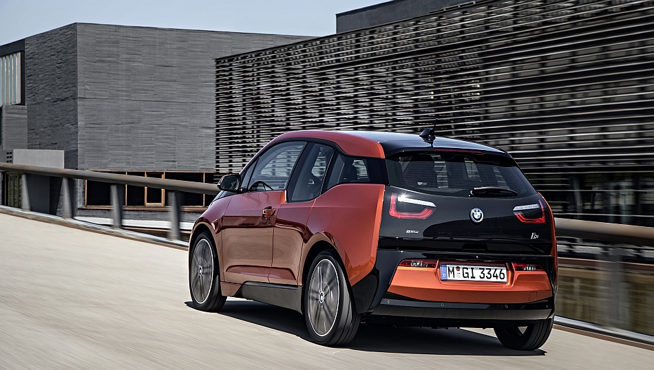 2014 BMW i3 Rear 3-4 Left Cruising