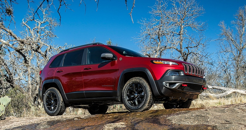 2014 Jeep Cherokee Front 7-8 Right Off Road