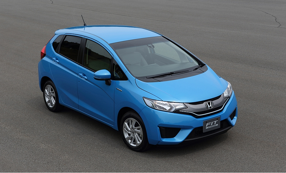 2015 Honda Fit Hybrid Front 3-4 Right