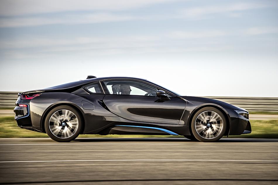 2015 BMW i8 (1)