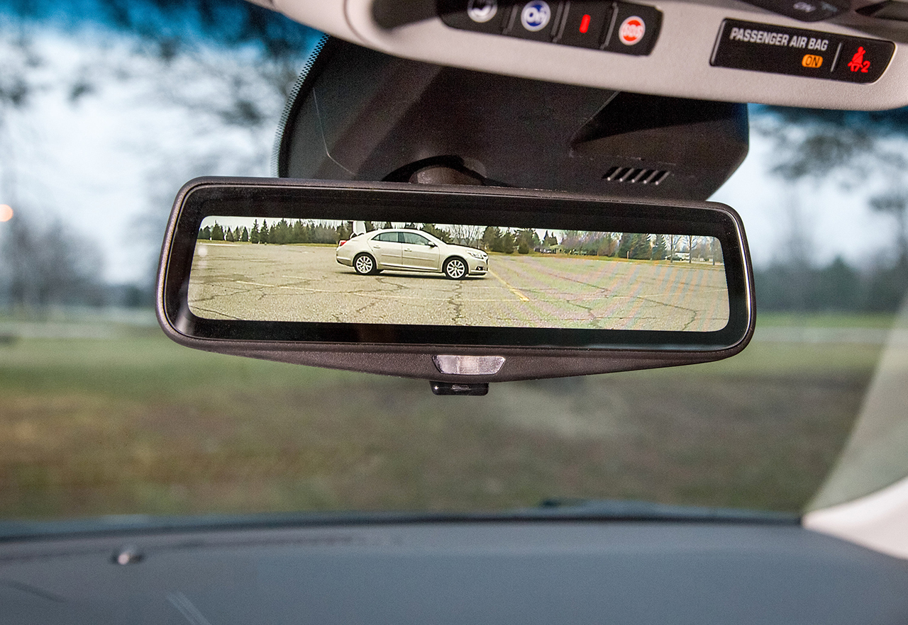 2016 Cadillac CT6 Rear-View Mirror Tech