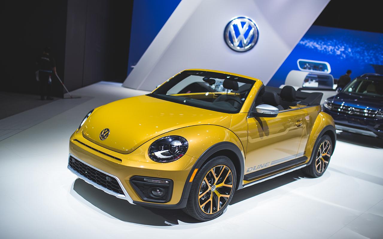 2015 LA - 2016 Volkswagen Beetle Dune Convertible