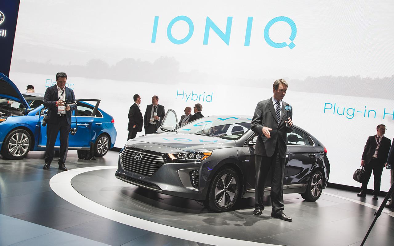 2016 New York - 2017 Hyundai Ioniq