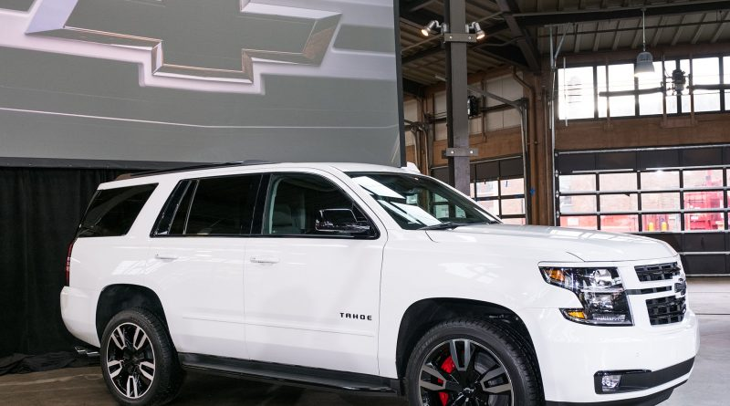 2017 new york preview the new chevrolet tahoe and suburban rst get more power and 10 speed auto. Black Bedroom Furniture Sets. Home Design Ideas