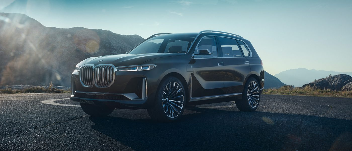 2017 Frankfurt Preview: The big-schnoz BMW Concept X7 iPerformance previews the company's incoming full-size crossover SUV