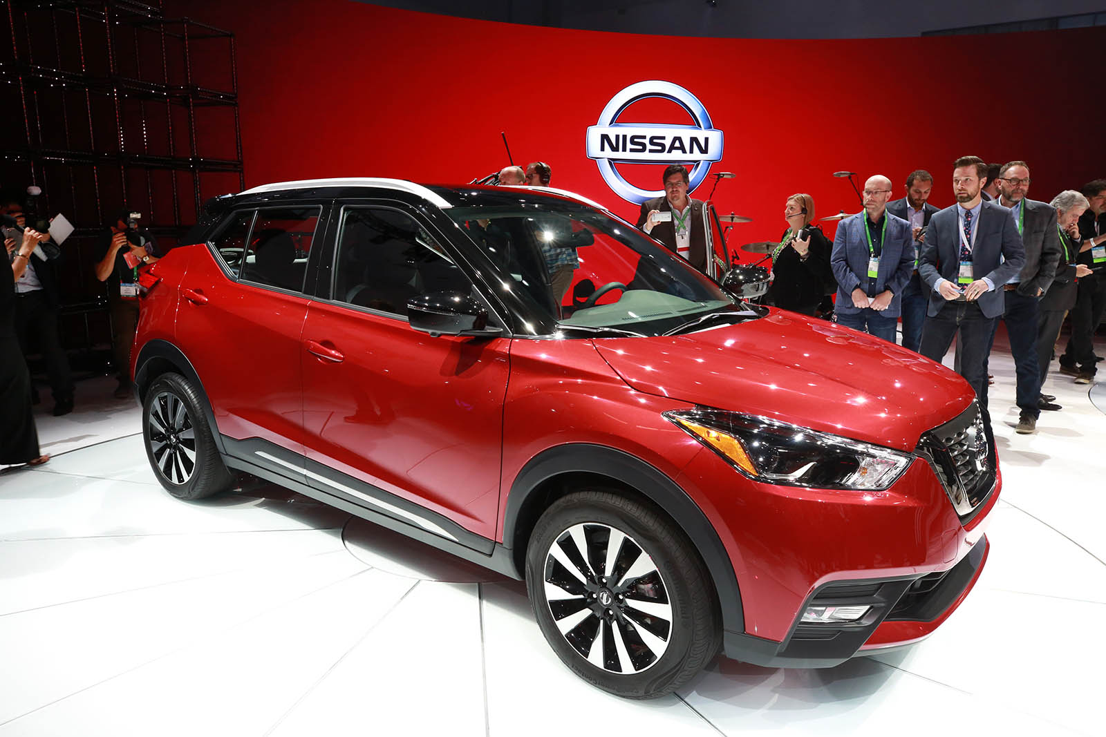 2017 LA: The 2018 Nissan Kicks replaces the Juke entry ...