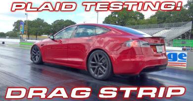 Red Tesla Model S PLAID